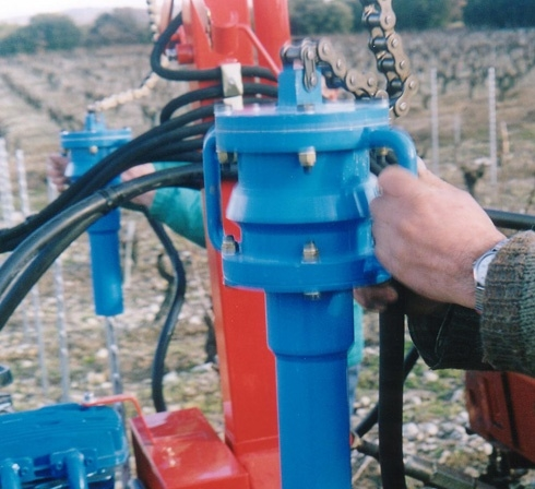 drive in hammer for vineyards by ACF France