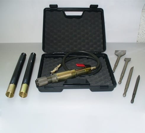 A range of accessories: point, chisel, large chisel, spade CHIPPING HAMMER ACF France