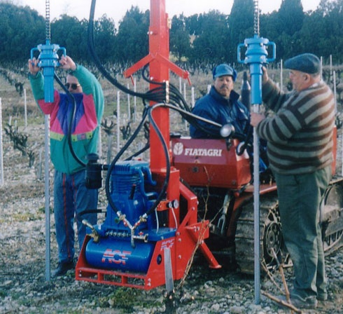 drive in hammer Aries 26 for vineyards by ACF