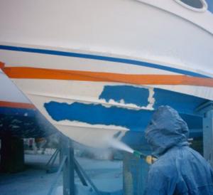 nettoyage par aerogommage coque de bateau