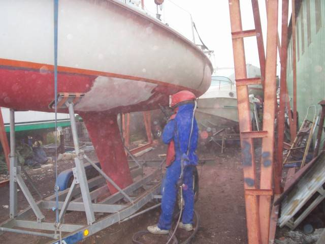 décapage bateaux avec aerogommeuse Topolino 18 ACF